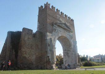 Arco_Augusto_Rimini_800x533